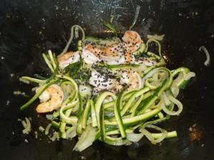 noodle_gamberi_zucchine_sesamo6