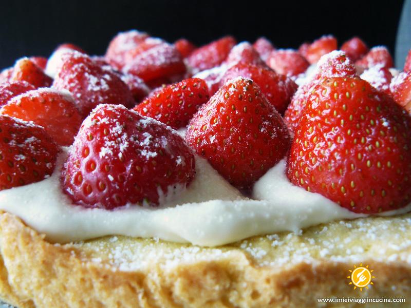 Crostata Farcita con Fragole e Mascarpone