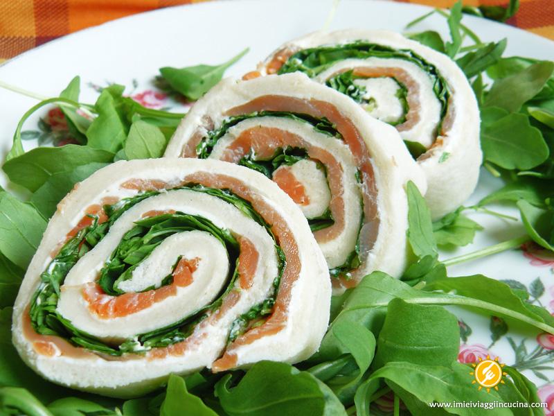 Rolls con Rucola, Salmone Affumicato e Formaggio