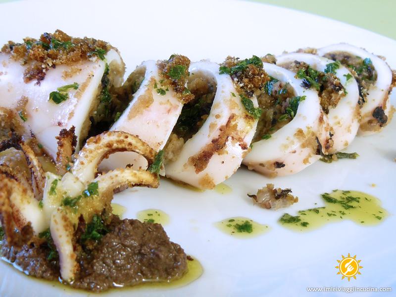Calamari al Radicchio con Salsa di Olive Taggiasche